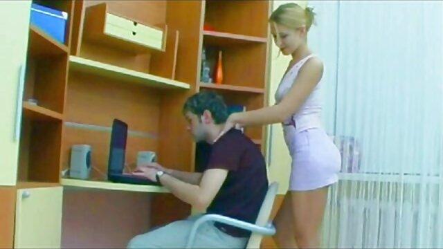 مقعد رابطه جنسی بر روی نیمکت با یک جوجه نوجوان دانلود فیلم کیر تو کون