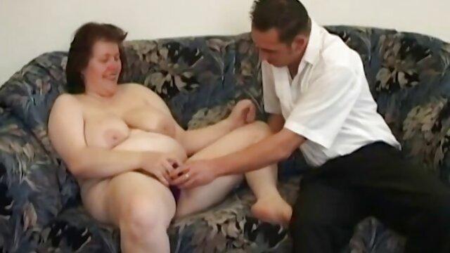 رابطه جنسی مقعدی با یک خانم انجمن سگسی بلوند پس از یک حمام معطر