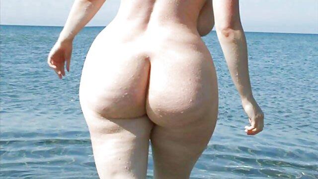 سامانتا همیشه آماده به گسترش پاهای او را در مقابل یک مرد داغ فیلم سکسی انجمن
